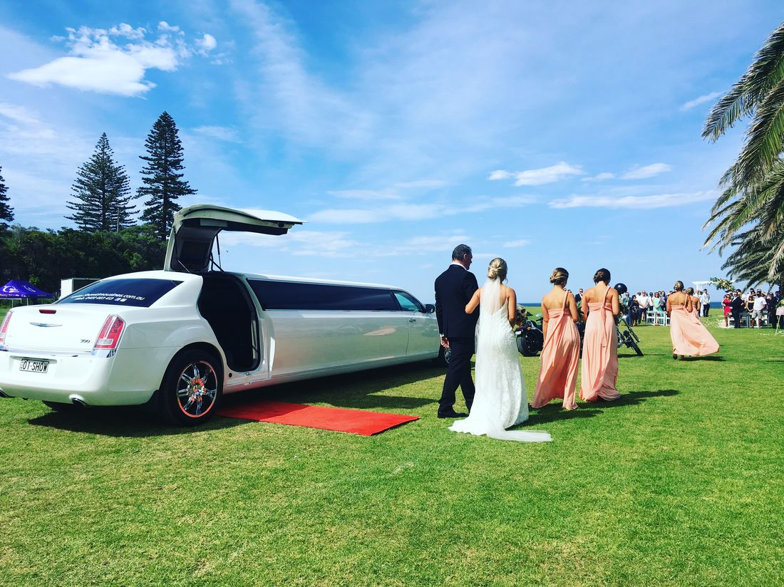 Wedding car Chrysler limo